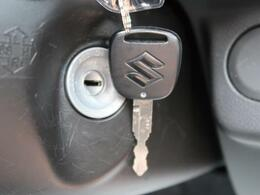 便利なキーレス☆ボタン一つでドアの開錠・施錠が可能です☆