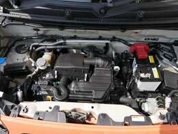 エンジンはアイドリングストップ付きのモーターでエンジンをアシストするS-エネチャージです!