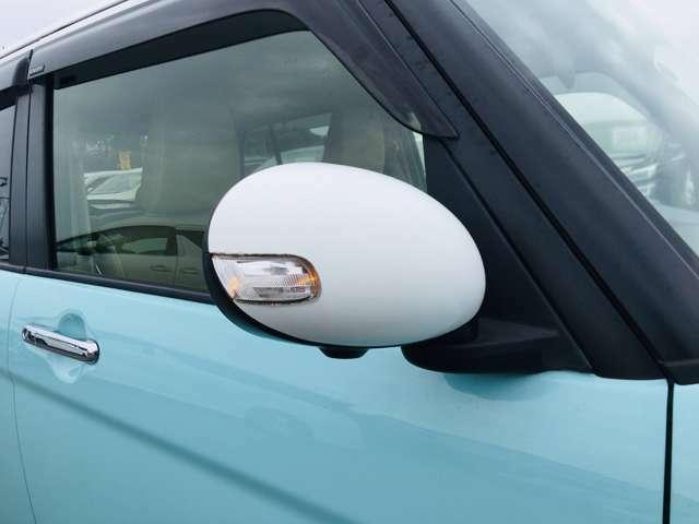 【 電動格納ウインカーミラー 】付いているだけで高級感のUPするウィンカー内臓サイドミラー♪もちろん見た目だけでなく、対向車からの視認性の向上につながり、安全度もUP♪
