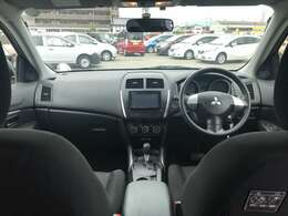 車内は広々していて運転しやすいです!