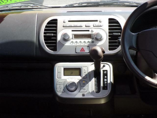 純正CDオーディオ装備です。