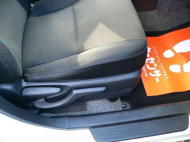 ☆運転席シートは上下調整付です☆