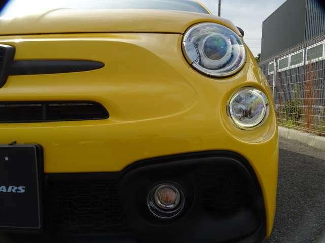 """FIAT500なら""""かわいい目""""でも""""サソリ毒""""にかかれば、この視線、まさに獲物をねらったサソリの目・・・(続く)"""