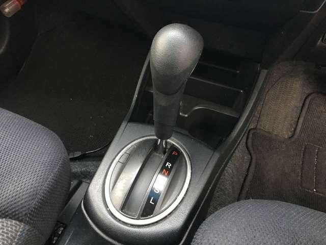 【シフト】シフトも操作しやすく快適なドライブを楽しんでいただけます!