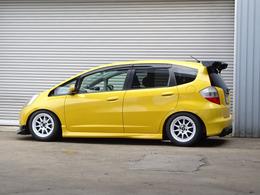 無限ドアバイザー!J'sレーシングウェットカーボン3D-GTウィング!リアディフューザー!リア5面プライバシーガラス!外装は中古車ですので細かな小傷などはございますが全体的にキレイな状態です!