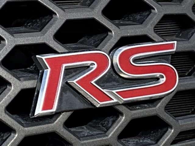 上級スポーティグレード「RS」!