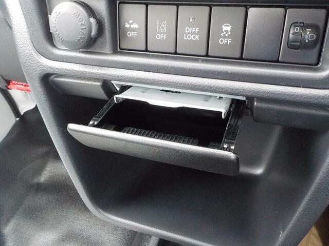 全ての車は納車前に点検整備済!万一の故障の際にも、安心の保証付きで展示販売しております。