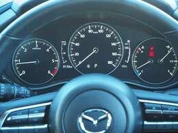 メーター周りもご確認下さい。走行8130キロです。5666キロ時にメーターを交換していますが距離数に変化は無くこちらが実走行距離になります。