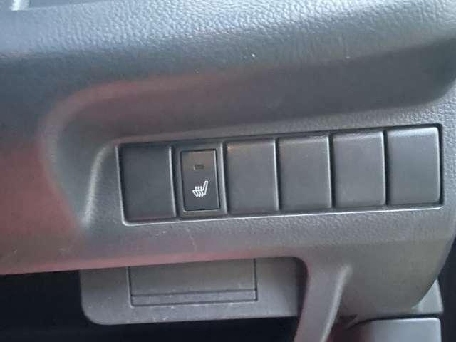 シートヒーター装備☆シートをポカポカに温める事ができます♪エアコンより早く温まるので寒い季節には重宝します♪