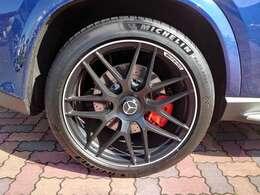 AMGカーボンインテリアPKGブルメスターハイエンド3Dサラウンドシステム マットブラック22インチAW ダイヤモンドステッチベージュ革 ドラレコ付デジタルルームミラー リアエンターテイメントシステム