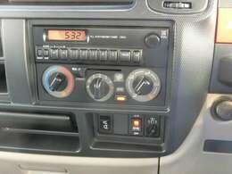 AM/FMラジオ!助手席側電動格納ミラー!EHS(坂道発進補助装置)!