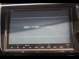 純正9型SDナビを装備。フルセグTV、ブルートゥース接続、DVD再生可能、音楽の録音も可能です。
