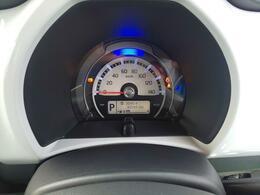メーターはLED照明採用で視認性が良いですよ。