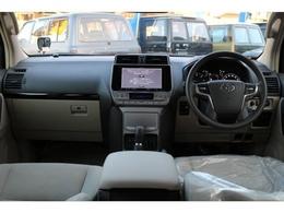 内装色ベージュで車内がとても明るく感じられます。