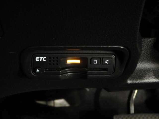 ETC装備!もう必需品になりつつありますね♪高速道路の料金所もスムーズに通過できます。お客様用にセットアップをしてのお渡しとなります!