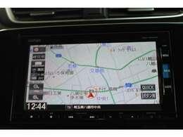 ナビゲーションは純正メモリーナビVRU-195CVi が装着されております。AM/FM/CD/DVD再生/フルセグTV/インターナビがご利用いただけます。