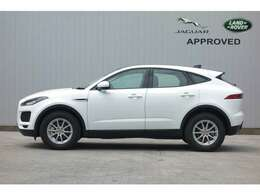 E-PACEはスポーツカーに迫るパフォーマンスとSUVならではのユーティリティーを兼ね備えた車です。