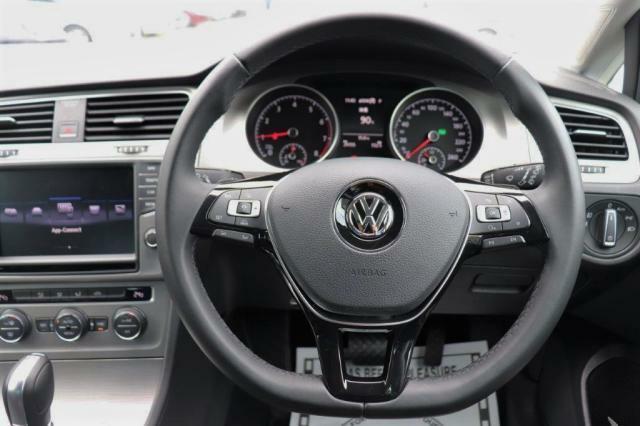 【ACC】アダプティブクルーズコントロール(全車速追従機能付)  クルーズコントロールにレーダーセンサーを組み合わせたシステムとなります。長距離走行時などでの疲労を低減させます!