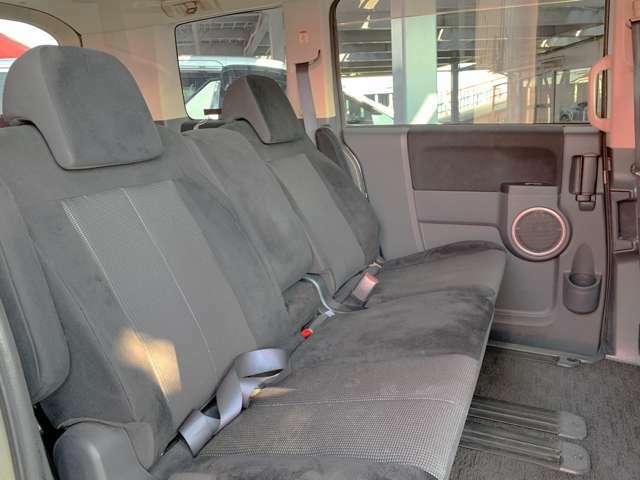 全座席シートの擦れもなく、とってもよい状態を保たれています。当社ではクリーニングも行っていますので、安心してお乗りいただけます。