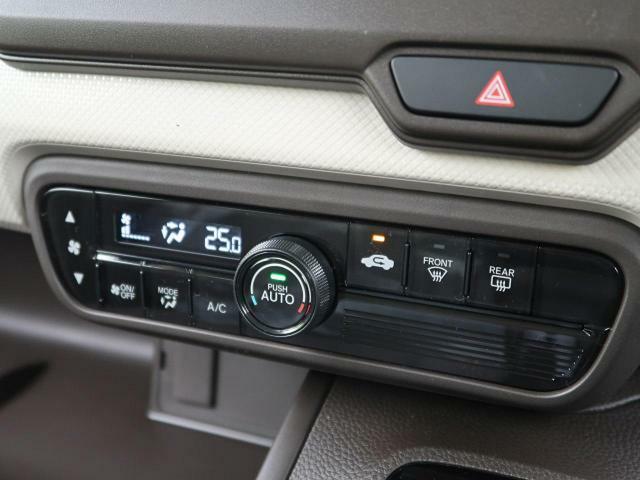 寒い冬で冷えきった身体も暑い夏で火照った身体も全席に快適な空調を届ける【オートエアコン】があれば正常な体温へと戻してくれ、快適なドライブがお楽しみいただけます☆