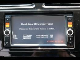 純正SDナビを装備。フルセグTV、ブルートゥース接続、音楽の録音も可能です。