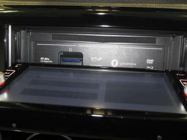 CD,SDカード挿入部