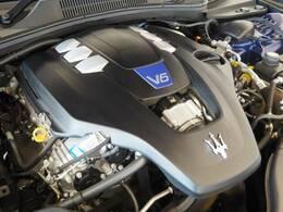 マセラティの100年の歴史が詰まった、3リッターV6ツインターボエンジン、430馬力(カタログ値)。是非店頭でその走りやエギゾーストを、肌で、耳でご体感ください。