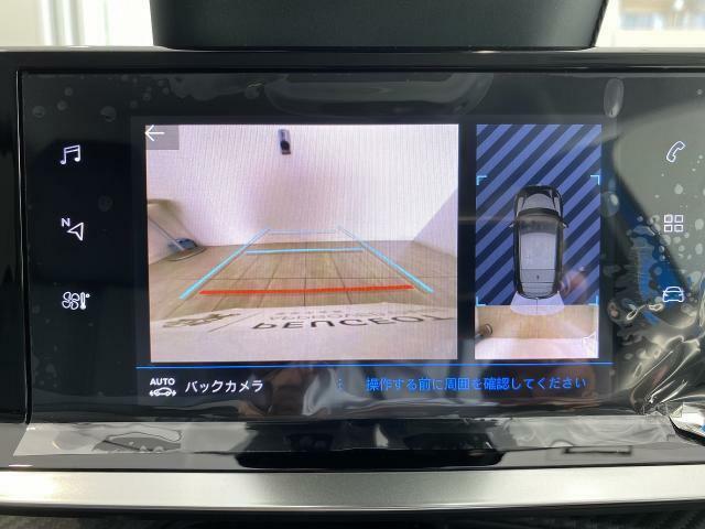 バックカメラ標準装備