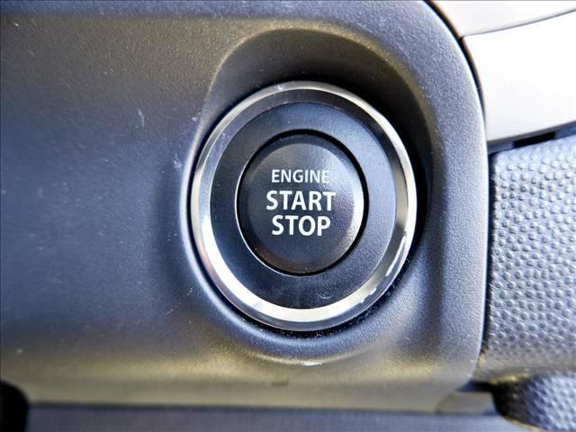 【スマートキー&スタートシステム】カバンやポケットに入れたままドアの開閉やエンジンがかけられます♪