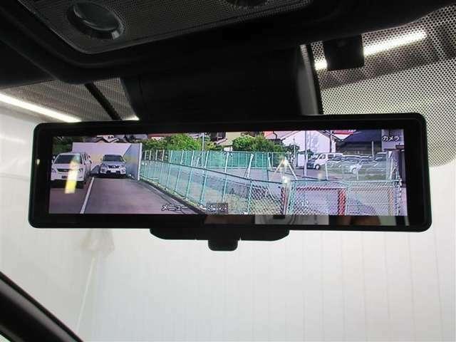 電子インナーミラーは、車内の状況にかかわらず後方が確認できるようになる便利な装備です♪