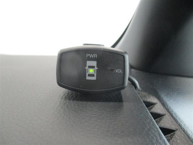 対象物が近づくと警告音で車内に知らせてくれるコーナーセンサー装備♪ お車の後方だけでなく、死角になりやすい前方もカバーしてくれます♪