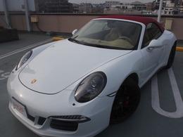 ポルシェ 911カブリオレ カレラ GTS PDK 赤幌ベージュ革GTS左