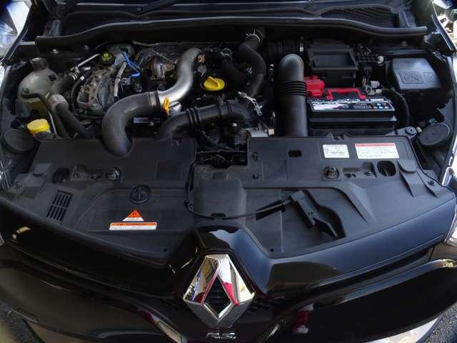 """そしてこれが1.6Lで220PSを叩き出すエンジン""""M5M!ボンネットを開けるだけで""""熱い""""、熱いのはエンジンだけでなくあなたのハートも熱い!(続く)"""