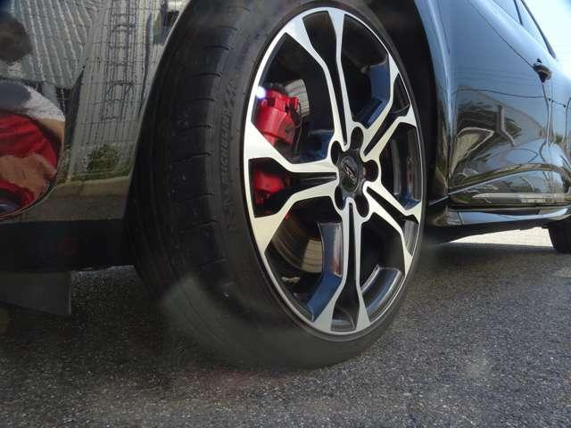 そして左フロント!タイヤは少々減り気味!(続く)