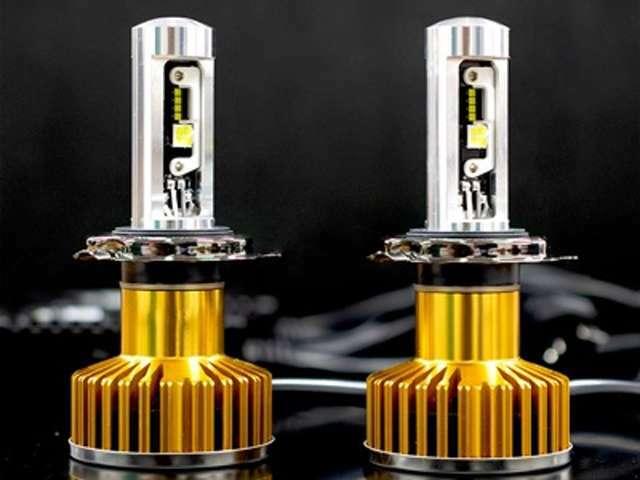 Bプラン画像:日本製LEDヘッドライト!車検基準対応!!安心の3年保証付!!明るいライトで暗い夜道でも安全・安心です(^0^)♪