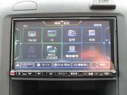 オーディオ機能は、CD、フルセグTV、Bluetooth Audioなど多彩なメディアに対応しています。