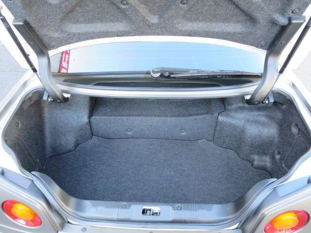 トランクに荷物の収納可能です!!
