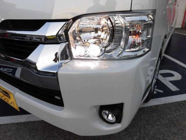 LEDヘッドライトはメーカーオプション66000円