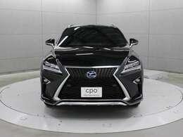 余裕のあるRXのパワフルな走りを更に磨き上げ、ドライバーの意思に車が即応することで生まれる一体感をあらゆるシーンで楽しめる「F SPORT」です。