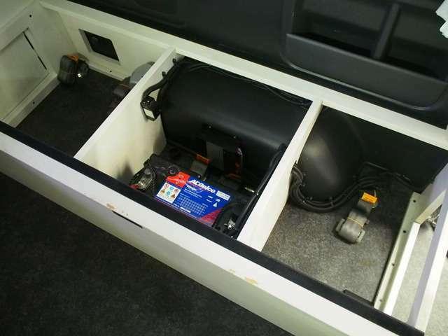 サブバッテリー 走行充電システム