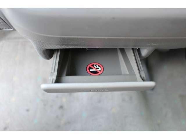 禁煙車なので、タバコの嫌な臭いはないですよ☆
