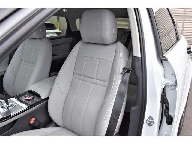 使用感も少なくコンディションの良いフロントシート。