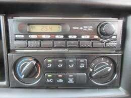 AM/FMラジオ聴けます♪マニュアルエアコンです!