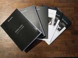 取扱説明書、保証書、メンテナンスノートすべて揃っております。