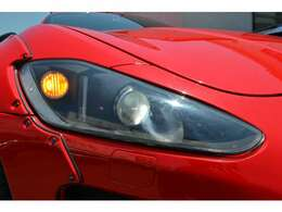 HIDヘッドライト クリアサイドマーカーに変更されております。
