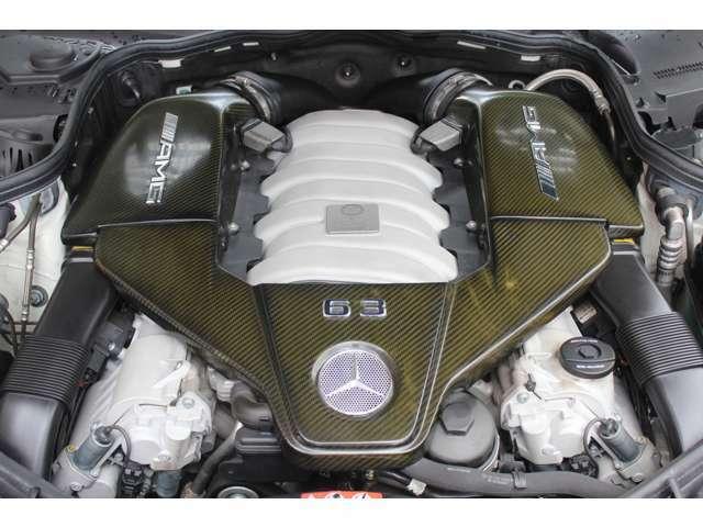 エンジンはAMG製V8-6.3L 514PS(カタログ値)です。カーボンエンジンヘッドカバー付です。詳しくは弊社ホームページをご覧下さい。