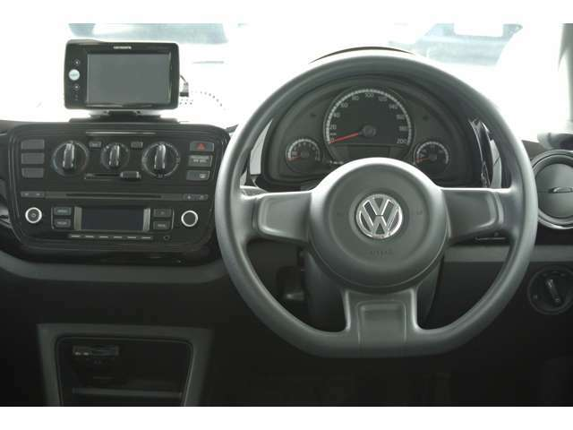 車内の使用感は少なく綺麗な状態のお車です。
