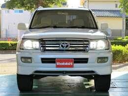 ヘッドライト、グリル、フロントスポイラー、リヤスポイラー後期仕様車に変更してあります。