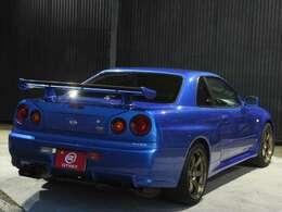 後期型 ベイサイドブルー2CM。R34といえばこの色!という方も多いのでないでしょうか?
