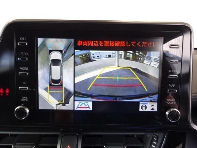 パノラミックビューモニター装備!クルマを真上から見ているかの様に、映像をモニターに表示。周囲の状況を把握しながら安心して駐車が可能です!